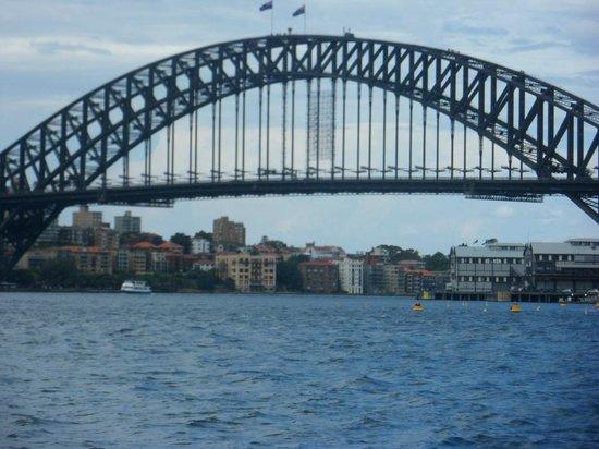Sydney Harbour : Bridge from the Sydney Harbor