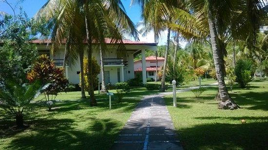 Hotel Village Paraíso Tropical: camino a la habitación