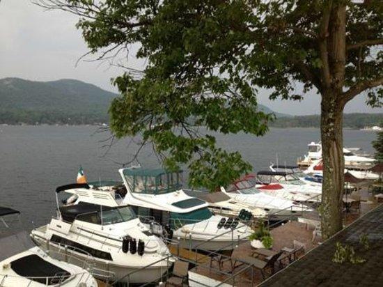 The Georgian Lakeside Resort : beautiful view of Lake George from outdoor bar area