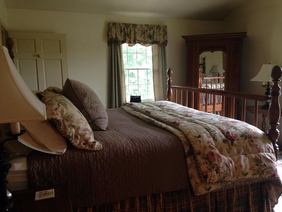 Cornerstone Farm Bed and Breakfast: The Lincoln Room