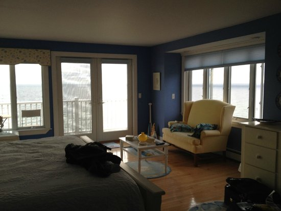 Sand Dollar B&B: View of the Sandbar room