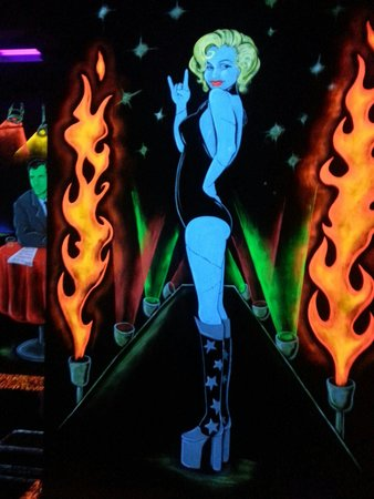 Kiss Monster Mini Golf: Marilyn Monroe