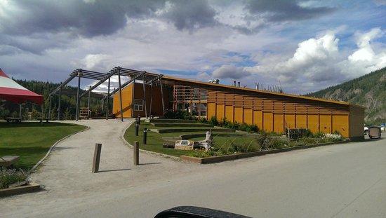 Dänojà Zho Cultural Centre