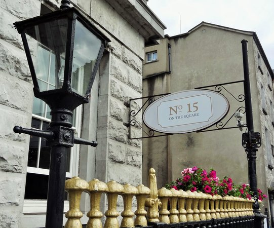 Hotel Meyrick : Exterior entrance to restaurant