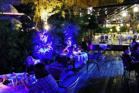 Danga Bay: Outdoor seating