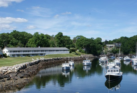 Riverside Motel : View of the Riverside from Perkins Cove