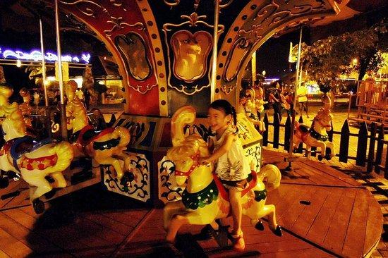 Danga Bay: Fun fair