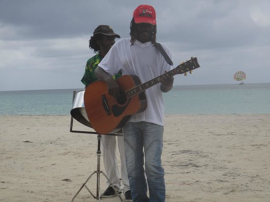Beaches Negril Resort & Spa: Local musicians on the beach