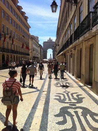 Praça do Comércio (Terreiro do Paço) : Local interessante com muita gente bonita