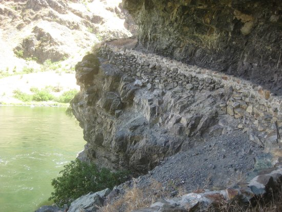 Snake River Canyon Trail : The CCC Cut these trails in the 30s.