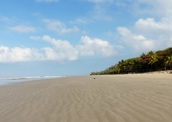 Villas Hermosas: Endless beach
