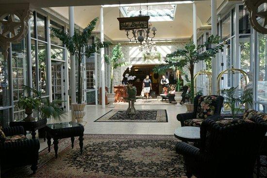 The Horton Grand Hotel: ロビー