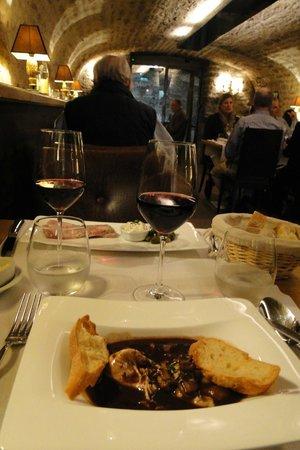 21 Boulevard : restaurante em uma cave...