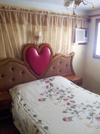Villa Dayi: comfortable bed