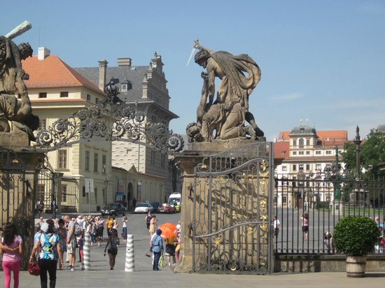 Castle District : Gate to Hradcany