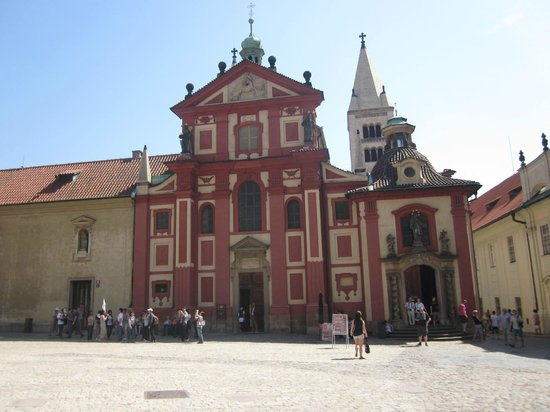 Castle District : St. George in Hradcany