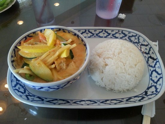 Chaiyo Thai & Sushi Bar: Red Curry with Tofu