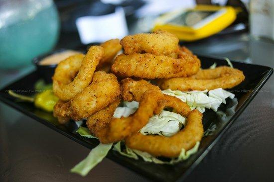 Tropics : Fried Calamari