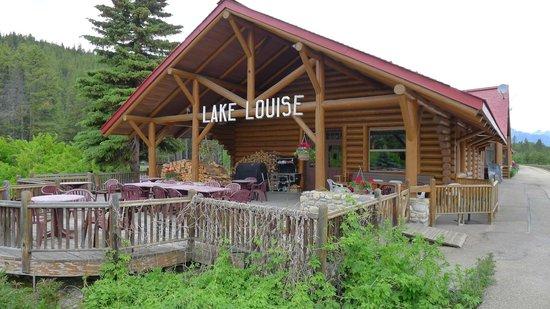 Lake Louise Station Restaurant: Side exterior of the restaurant