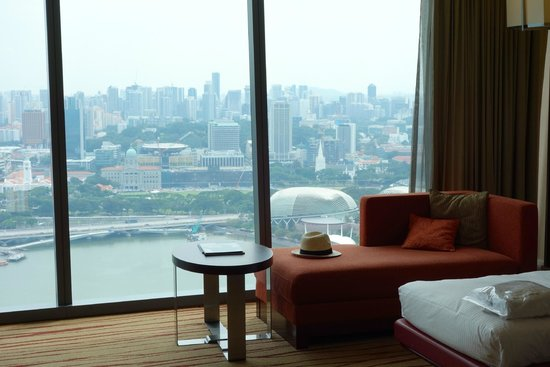 Marina Bay Sands: View of the room