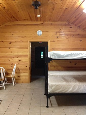 Camp Carlson Army Recreational Area: Group cabin