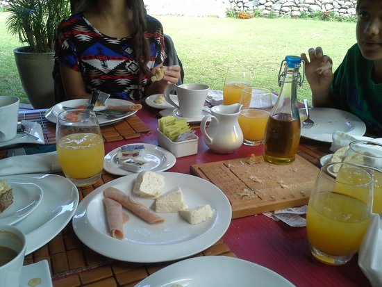 The Riverside Inn Boquete: breakfast