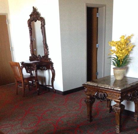 The Claridge - a Radisson Hotel : Marble topped furniture