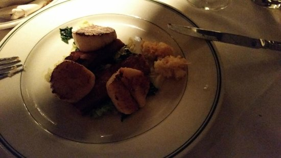 Joe's Seafood, Prime Steak & Stone Crab: Scallops and pork belly