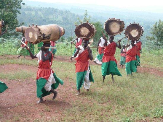 Gitega, Burundi: Tambourine