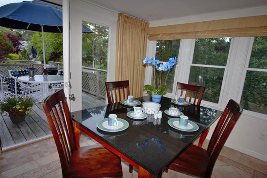 Pleasant Bay Village: Lower Suite Dining Room 2