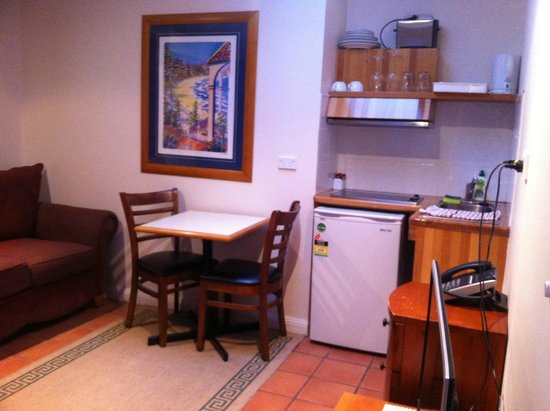Manly Lodge Boutique Hotel: Kitchenette