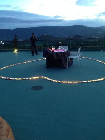 KC Resort & Over Water Villas : Romantic rooftop dining_1