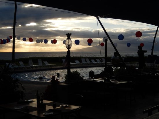 Royal Lahaina Resort : View from the restaurant