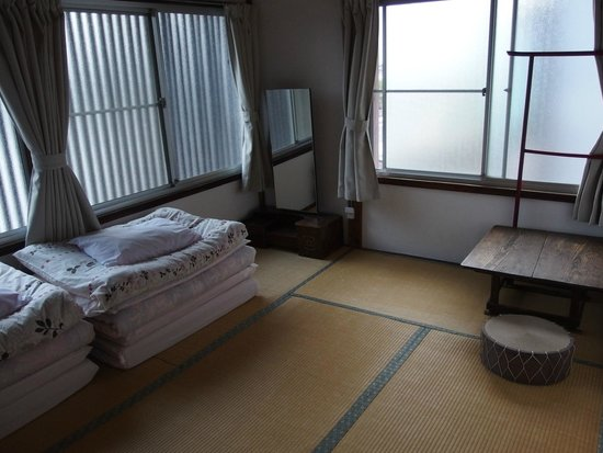 Nikko Guesthouse Sumica: The biggest private room.
