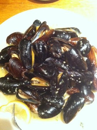 Barnacle Bill's Seafood: Mussels Appetizer