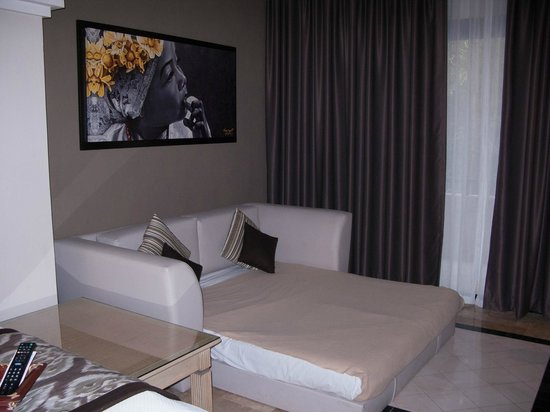 Grand Palladium Kantenah Resort and Spa : sofa sleeper