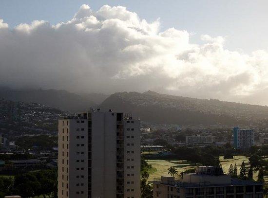 OHANA Waikiki Malia by Outrigger : 部屋からの眺め1
