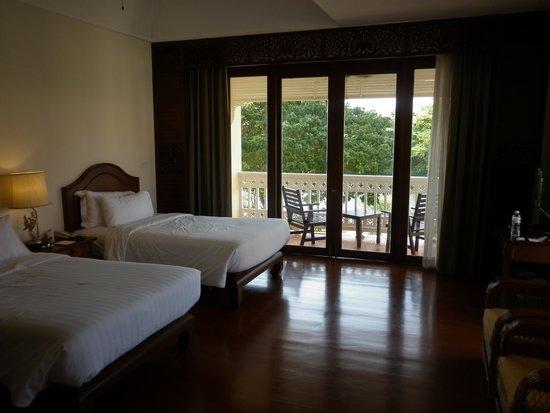 Away Kanchanaburi Dheva Mantra Resort & Spa: Deluxe Bedroom