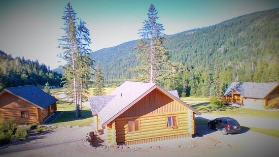Alpine Meadows Resort: View from the porch of the cabin