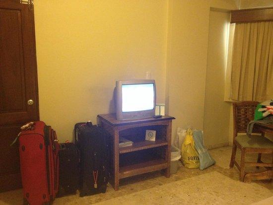 W&P Santo Domingo: Televisor de la habitación 2... Hace falta el pantalla plana! :-)