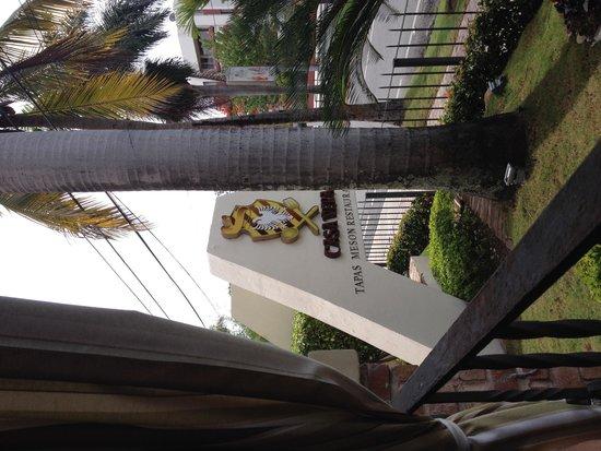 W&P Santo Domingo: Vista desde la mesa preferida del aviso Rest. Casa Vera