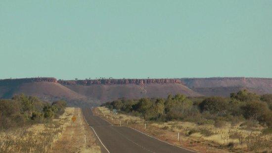 Stuart Highway: crusing the highway