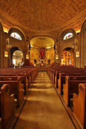 Basilica of Saint Lawrence: View of sanctuary looking forward to altar