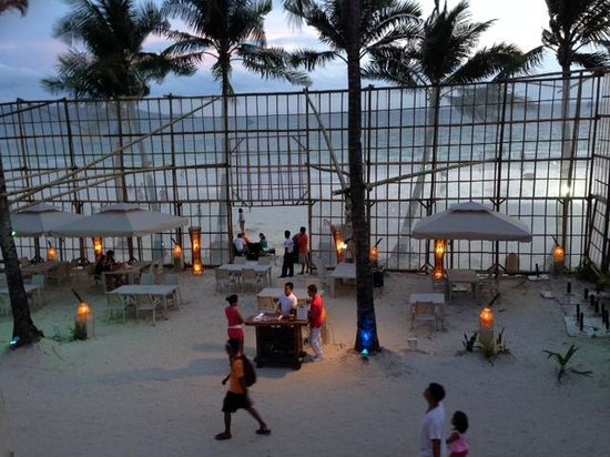 The District Boracay: Outdoor dining at the beach