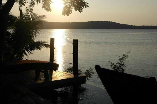 The Havannah, Vanuatu: sunset waterfront villa