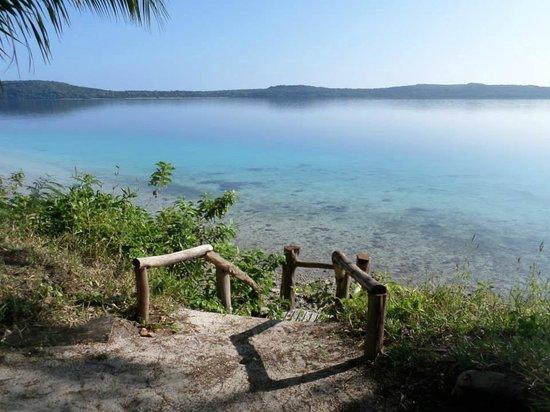 The Havannah, Vanuatu: steps to beach