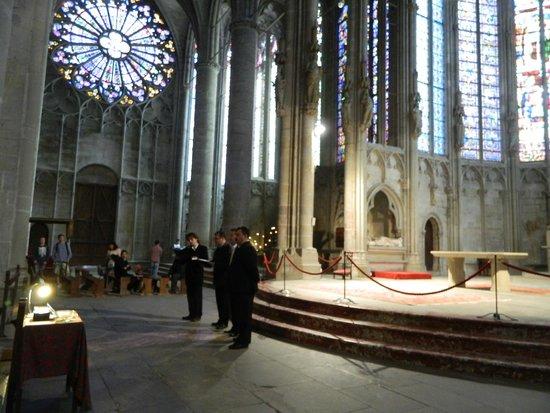 Église Saint-Nazaire : Choir Practice