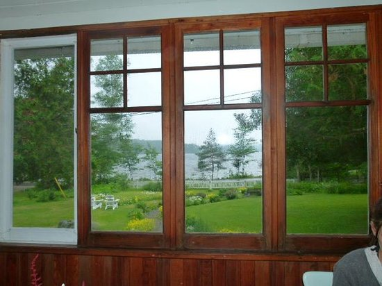 Juddhaven Guest House: view of lake from house