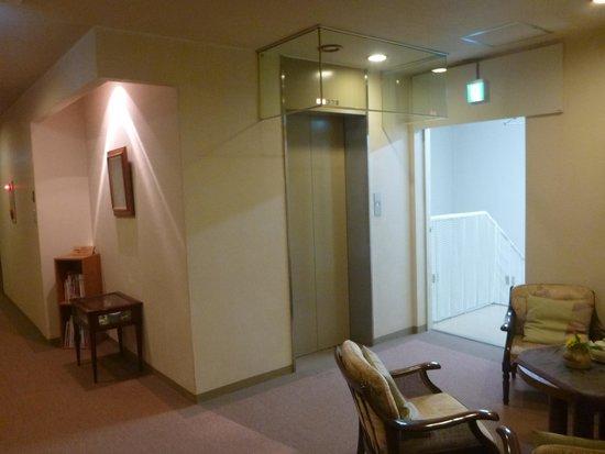 Hotel Matukaneya Annex: エレベーター