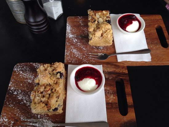 Eighty Eight Cafe : Caramel & oat slice - delicious!